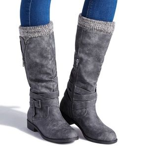 ShoeDazzle Madeline Grey Flat Sweater Boots